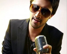 Atif Aslam and Sonu Niigaam in concert in London's O2