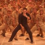 Salman Khan in Pandeyji seeti maare song from Dabangg 2 (5)